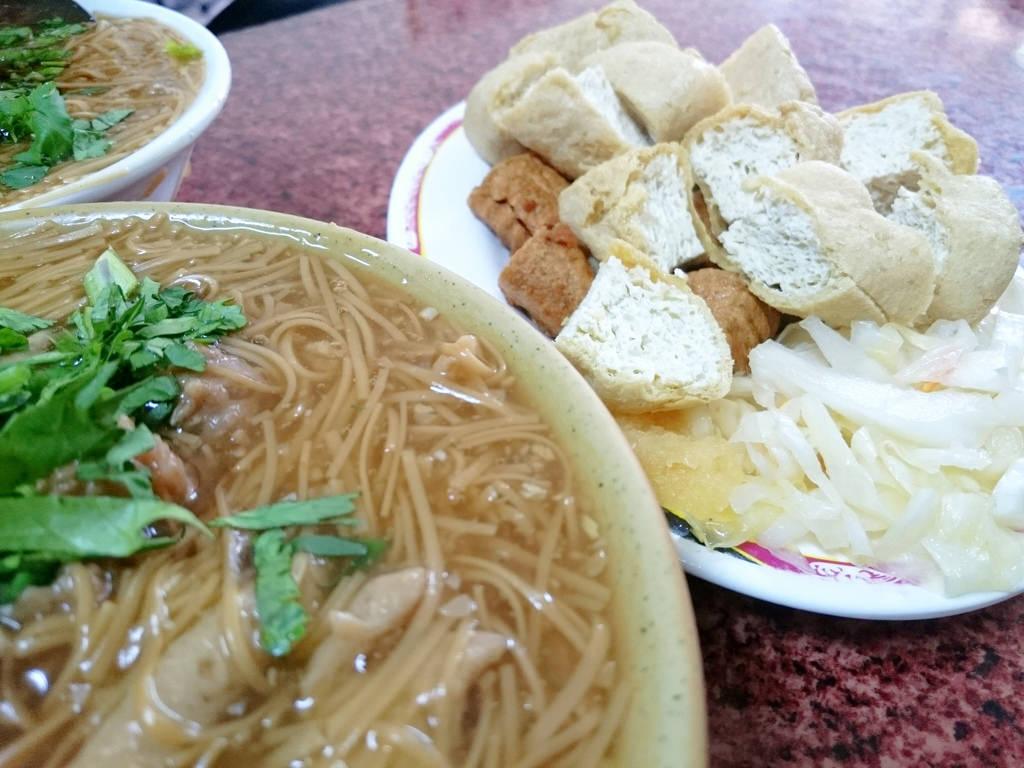【高雄食記】老爺麵線 (炸黑輪)~台式下午茶.關東煮.傳統美食