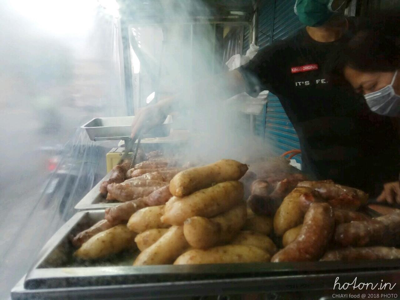 【嘉義食記】六腳 / 20年老店無名大腸加香腸.蒜頭村的傳統美味