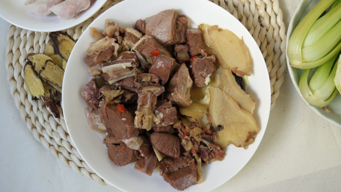欣欣養生羊肉爐心得:小資族小家庭溫補羊肉爐鍋底推薦,溫補不燥熱無羊羶味,1000g小包裝剛剛好!